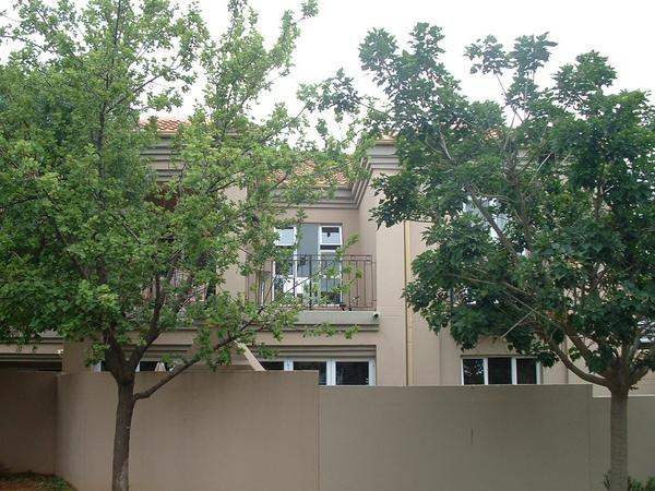 Property For Rent in Eagle Canyon Golf Estate, Roodepoort