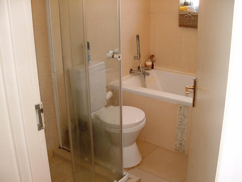 Property For Rent in Hurlingham, Sandton 5