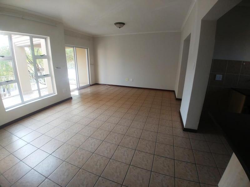 Apartment / Flat For Rent in Eagle Canyon Golf Estate, Roodepoort
