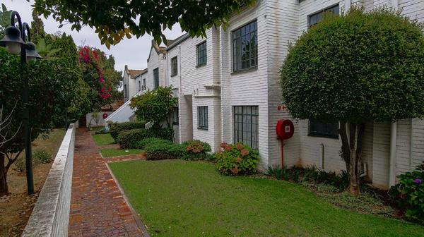 Property For Sale in Magaliessig, Sandton