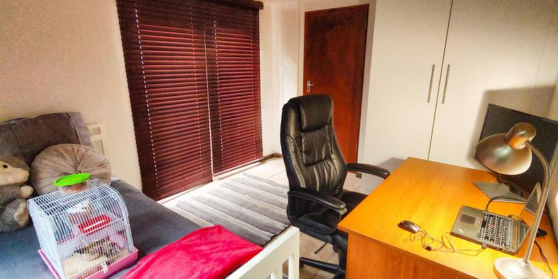 Property For Sale in Melville, Johannesburg 18