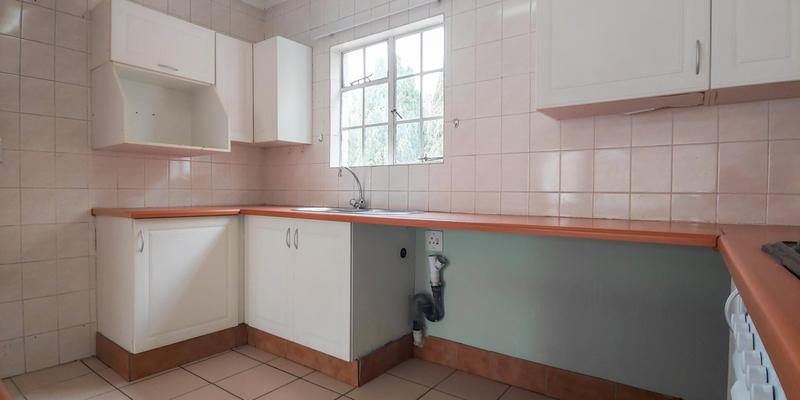 Property For Sale in Magaliessig, Sandton 10